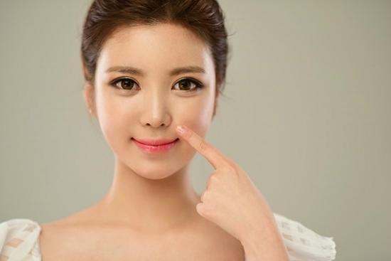"""쥬얼리 성형외과 """"코 성형, 무턱대고 연예인 따라하면 낭패…얼굴과 조화 중요"""""""
