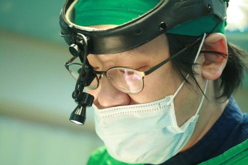 가슴수술 받은 이들 재수술 고민 늘어나… 체계적인 진단 통해 맞는 조치 이뤄져야해