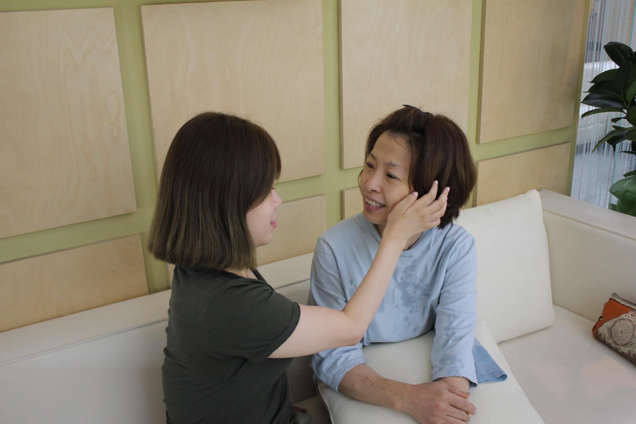 쥬얼리성형외과…부모 '미소' 늘리고, '근심' 줄이는 '리본캠페인' 두번째 전개